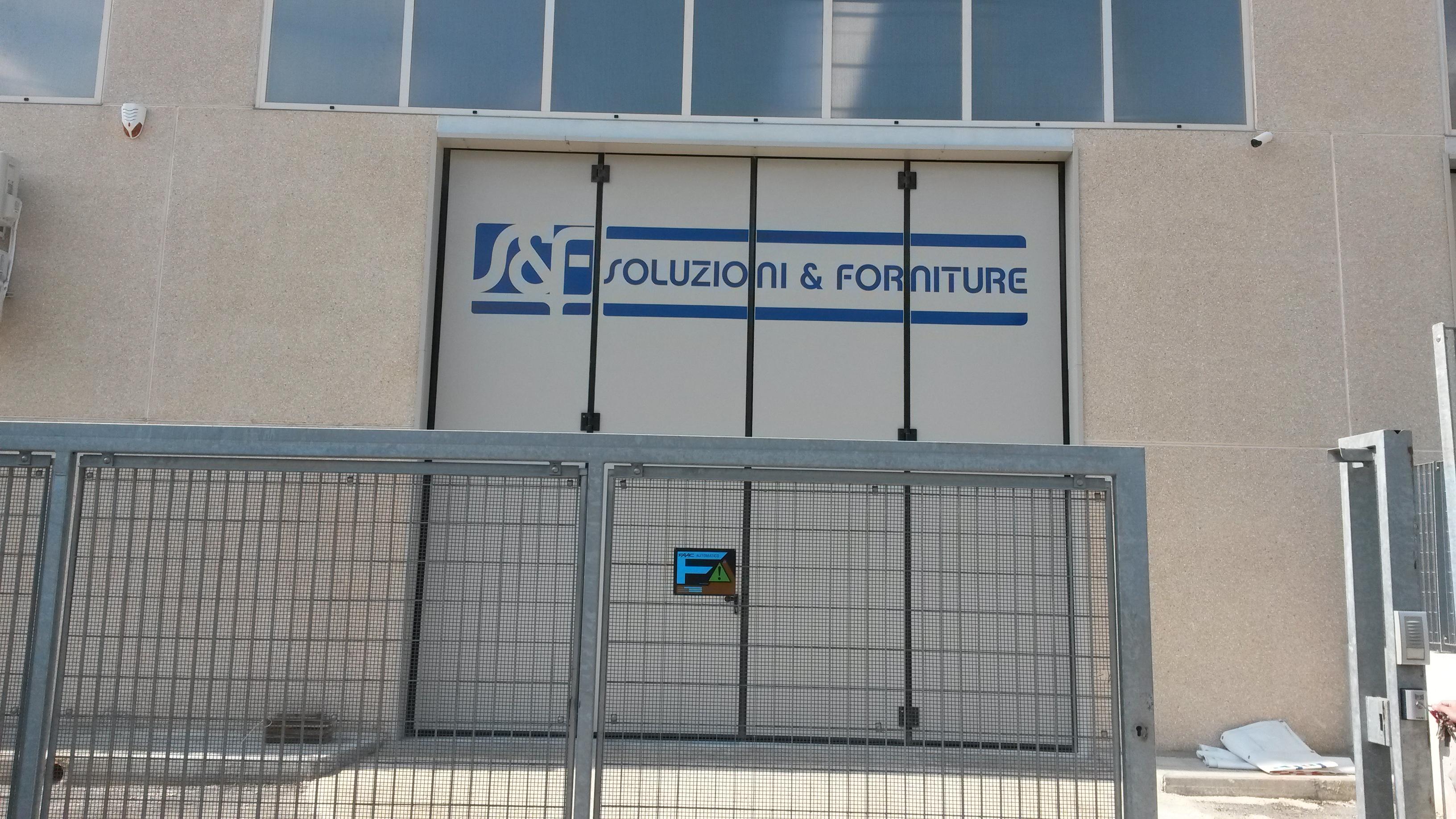 SOLUZIONE E FORNITURE