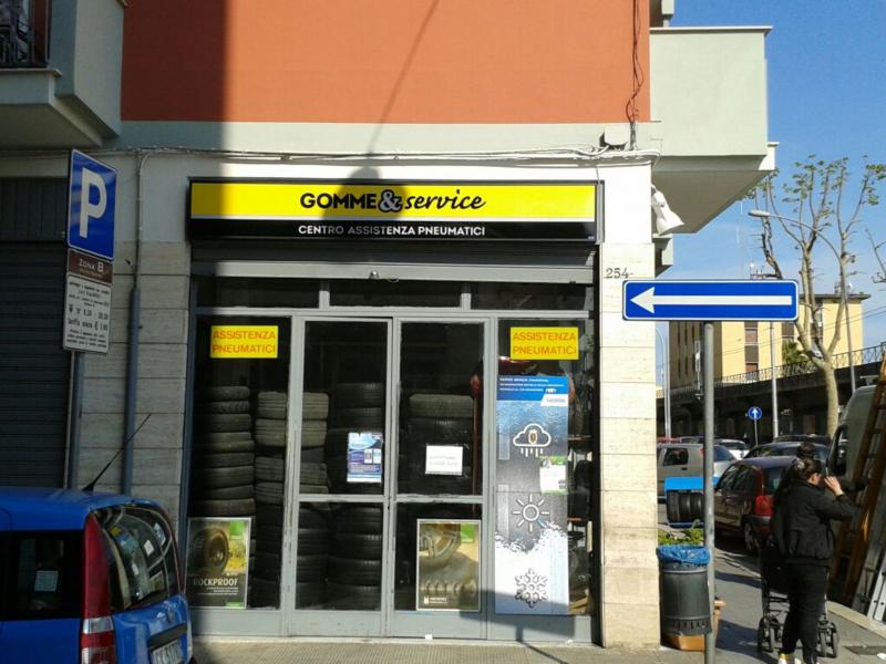 Insegne Bari